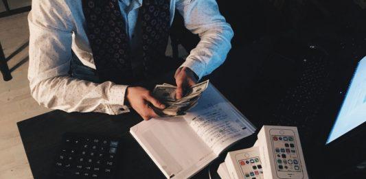 Polacy kontra finanse
