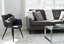 krzesła plastikowe i metalowe